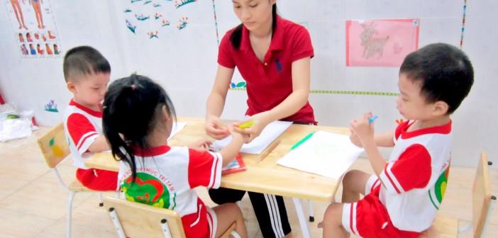 Giờ học nhóm của các bé